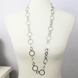 Jewelry - Simple Silver Hoop Necklace